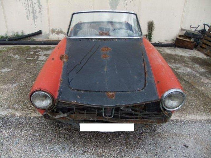 Fiat 1500 spider da restauro royal garage for Garage royal auto