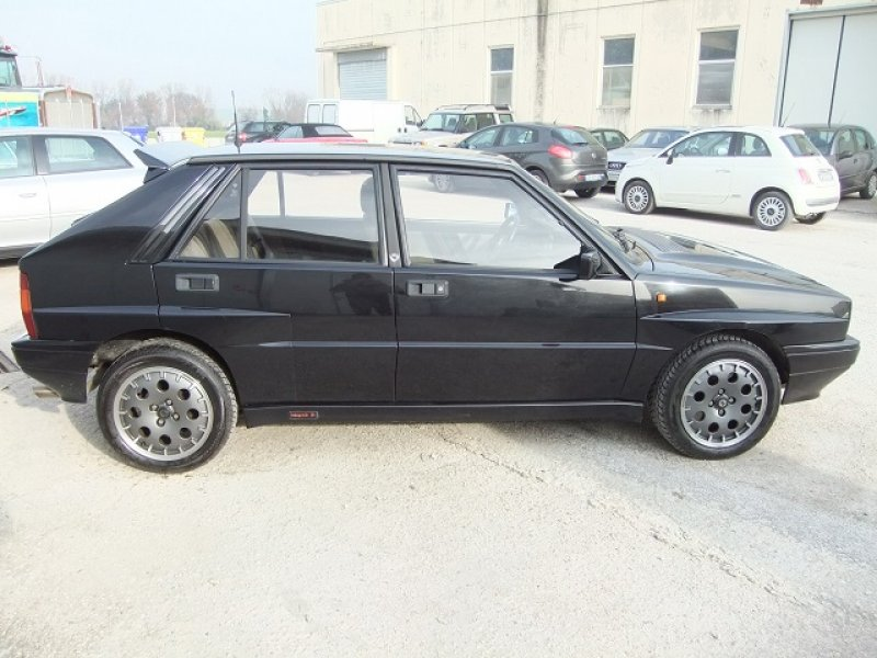 Lancia delta integrale 2 0 turbo 16 valvole asi royal for Garage opel cormelles le royal